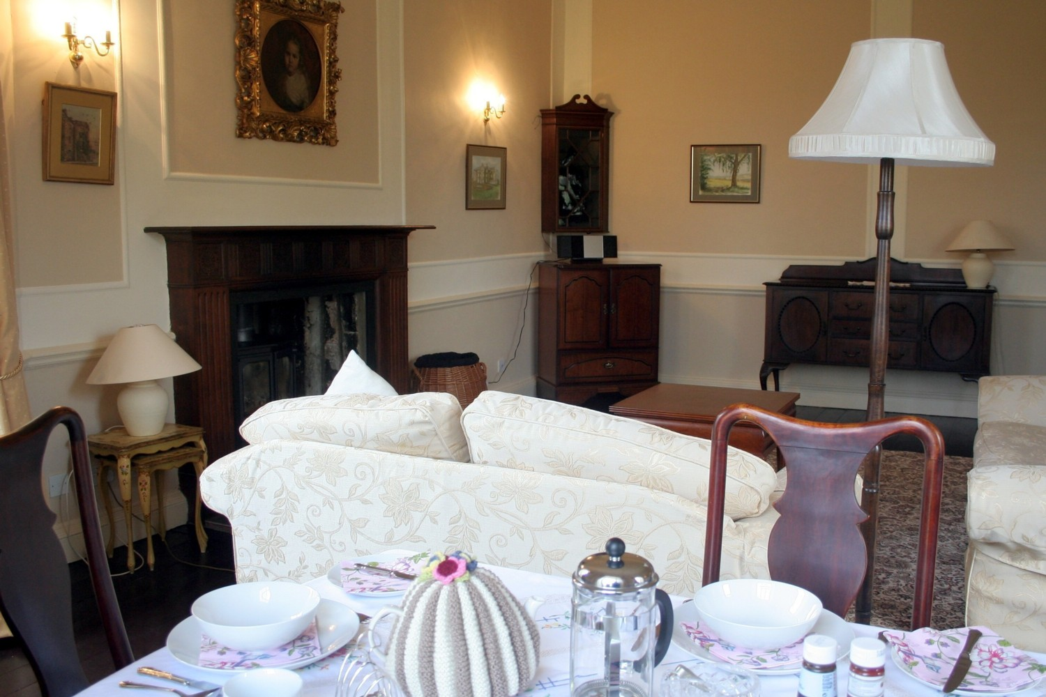 Dallars B&B Kilmarnock Drawing Room